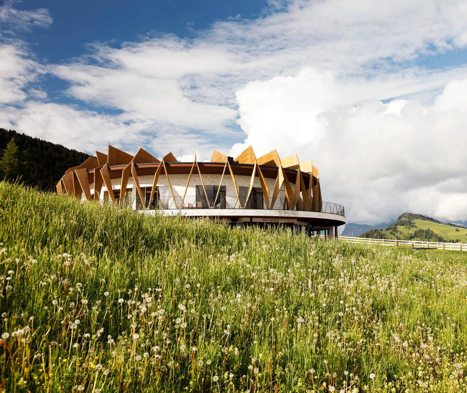 Luxusurlaub Südtirol Seiser Alm Alpina Dolomites Lodge