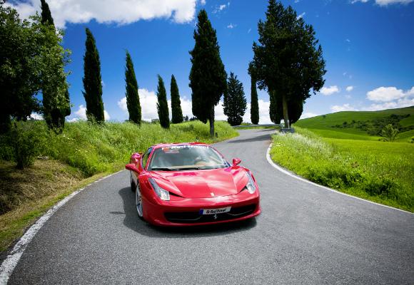 Erlebnisreise Ferrari mit dem GFerrari von Rom nach Mailand