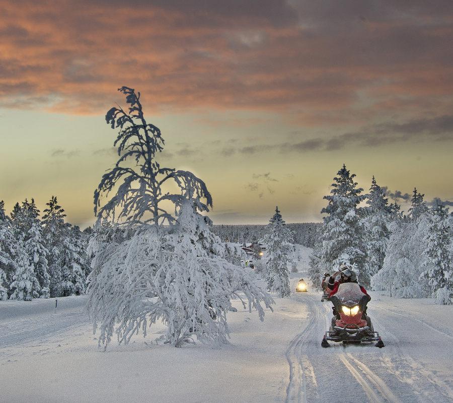 Erlebnisreise nach Finnland - Schneemobil